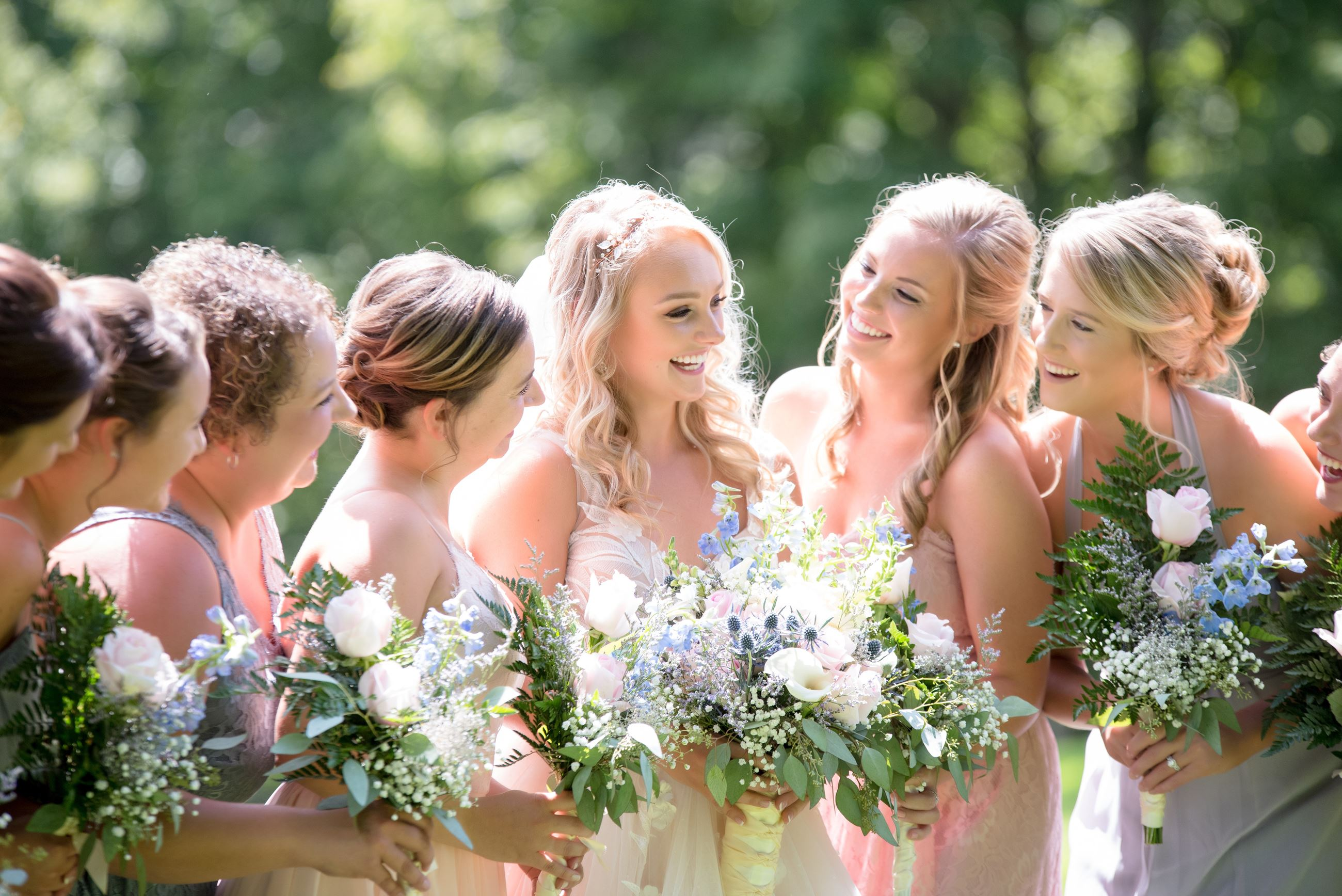 bouquets-bride-celebration-1454987